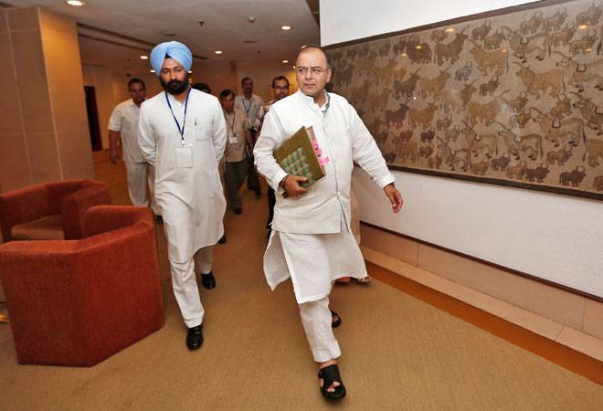 http://www.businesstoday.in/current/economy-politics/cabinet-approves-gst-ecommerce-cos-to-pay-up-to-1-per-cent-tax/story/248315.html